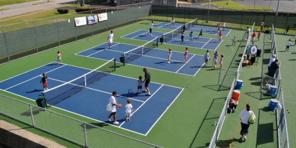 10 and Under Tennis Courts