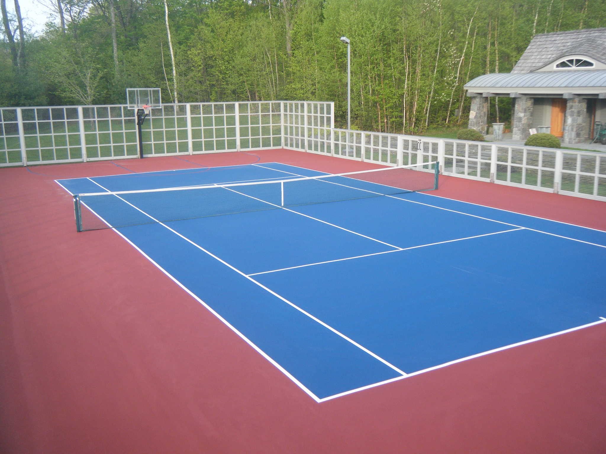 Backyard tennis court cost outdoor basketball court for Cost for basketball court
