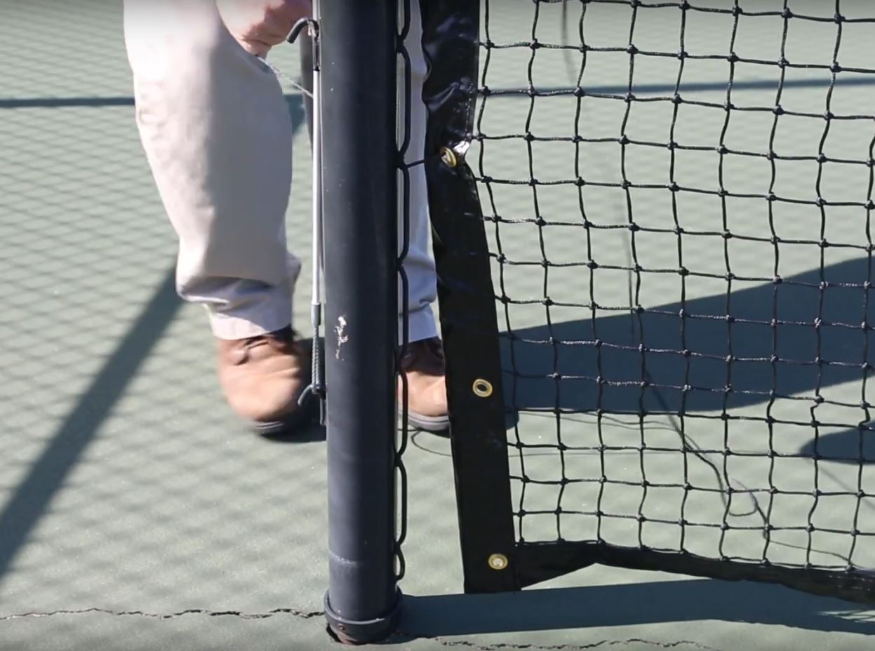 lacing a tennis net